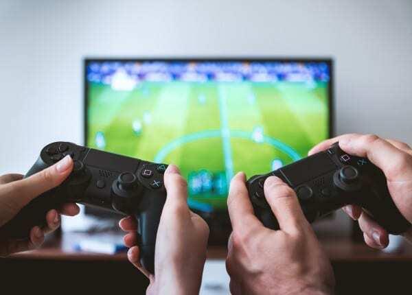 Les compétitions de jeux vidéo sont l'une des façons les plus amusantes de gagner de l'argent